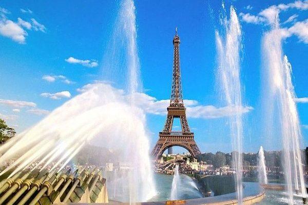 Франция - страна высокой моды, парфюмерии и вина